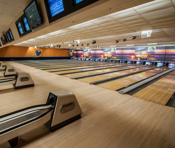 Spare Time Entertainment – Games, Lanes, Food and Fun